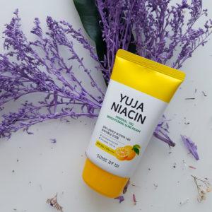 Сонцезахисний крем з екстрактом Юдзу Yuja Some By Mi Niacin Mineral 100 Brightening Sun Cream