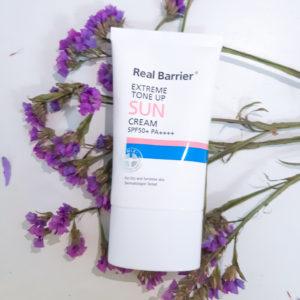Сонцезахисний крем Real Barrier Extreme Tone Up Suncream SPF50+ PA++++